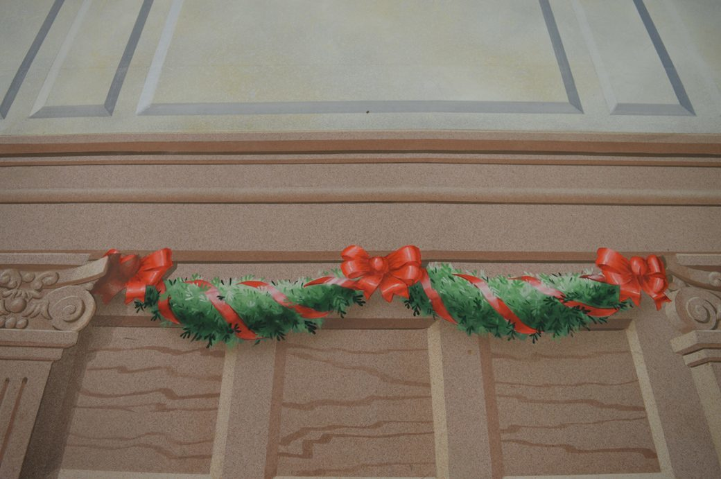 Parlour Drop - Garland Detail