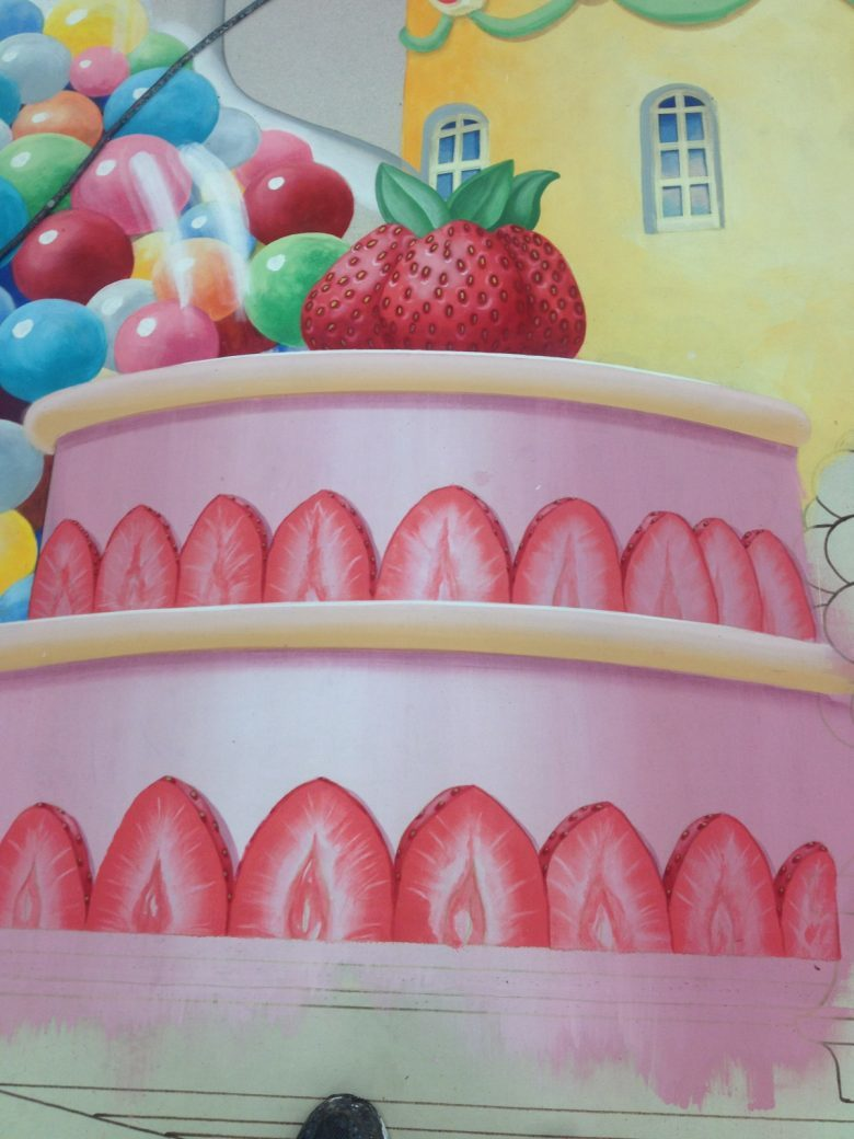 Stéphanes strawberries on the Candy Skyline backdrop